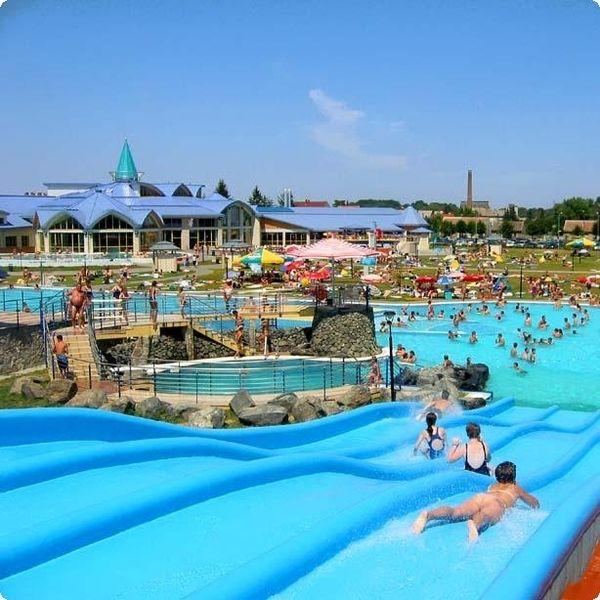 Aquaparkok Nyugat-Magyarországon - aquaparkok, élményfürdők, Zalakaros, Győr, Sárvár, Siklós, Dunaújváros, Lenti, Tatabánya, Sopron, Szentgotthárd, Siklós, Marcali :: ÚtiSúgó.hu