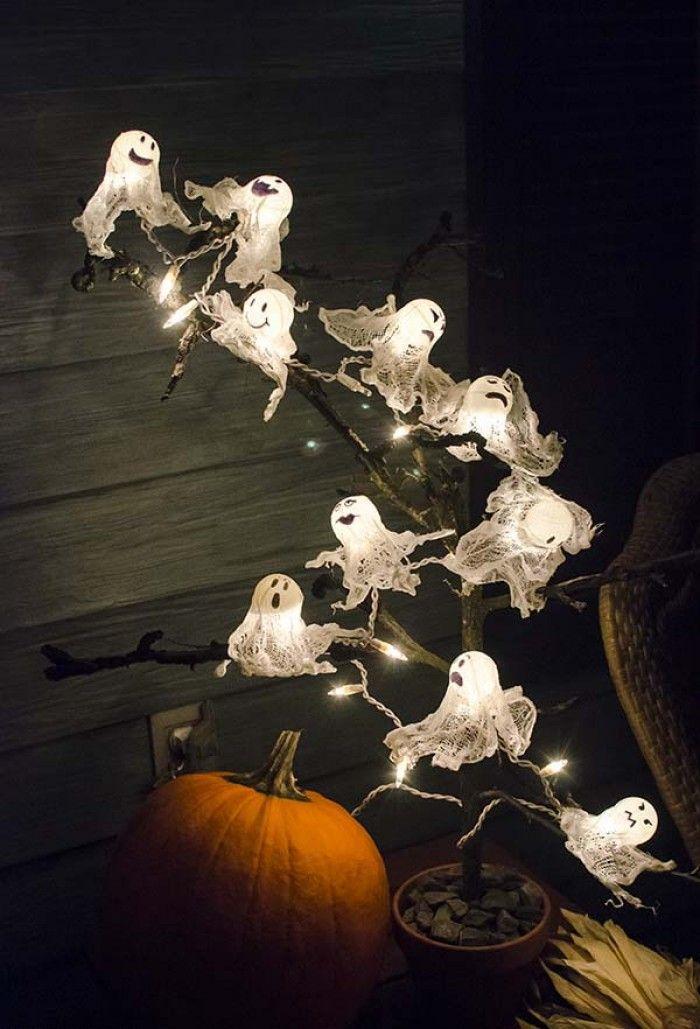Дерево з привидами на Хелловін своїми руками