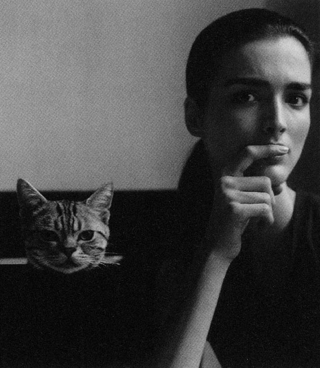 Duane Michals, Madame Schroedinger's Cat, 1998