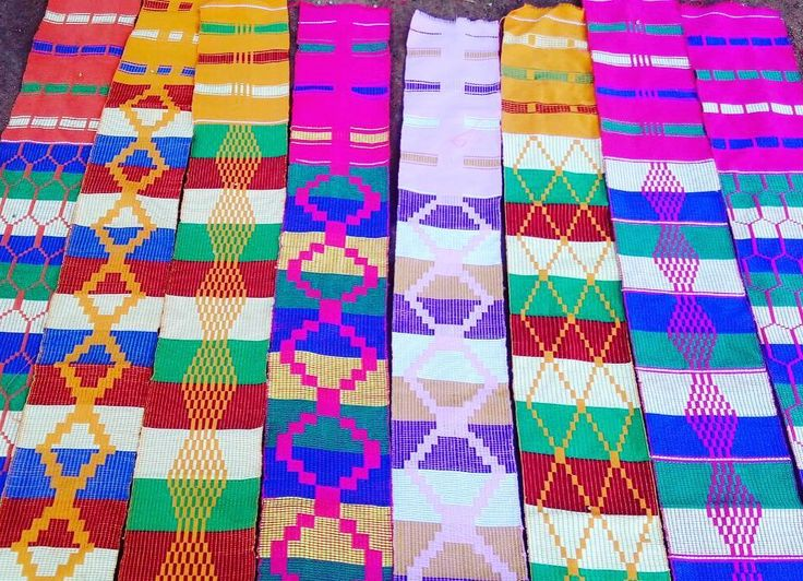 Ghanaians traditional cloth - #kente. It comes in several colours and designs. It is mostly worn during special occasions like weddings naming ceremony church services festivals etc #uvolunteer #ghana #ghvn #livingtheghanaiandream #thisisafrica #passionpassport #letsgosomewhere
