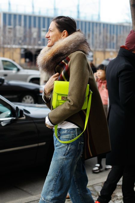 neonColors Combos, Neon Accessories, Neon Bags, Street Style, Neon Green, Pretty Birds, Boyfriends Jeans, Neon Yellow, Jenna Lion