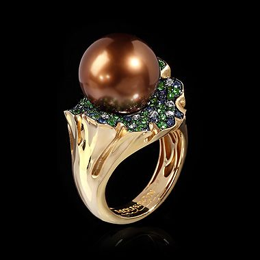 Mousson Atelier, collection Undina, ring, Yellow gold 750, Pearl, Diamonds, Tsavorites, Sapphires