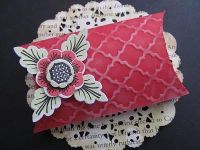 Pillow Box : Carolanne Creates: Make It Monday #102: Pillow Box Stamping and Assembly