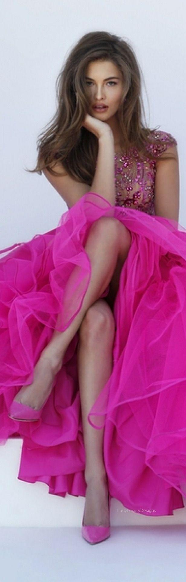 Fucsia #pink                                                                                                                                                                                 Más