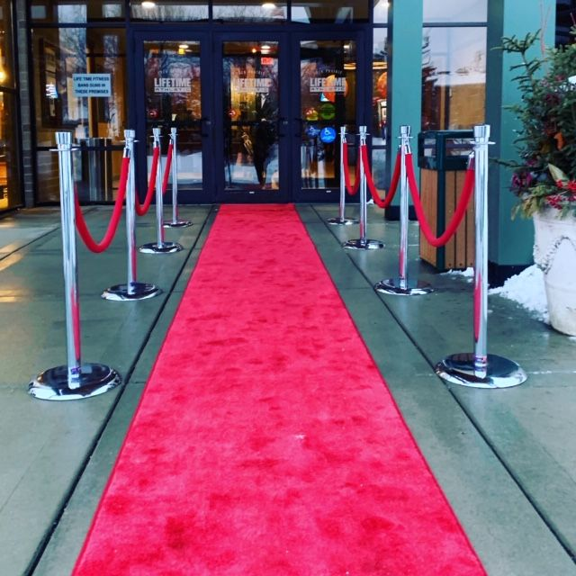 Red Carpet And Stanchions Rent Online At Epicrentalmn Com Rental Decorating Event Rental Corporate Events