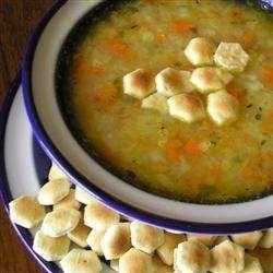 Potage au chou, carottes et pommes de terre