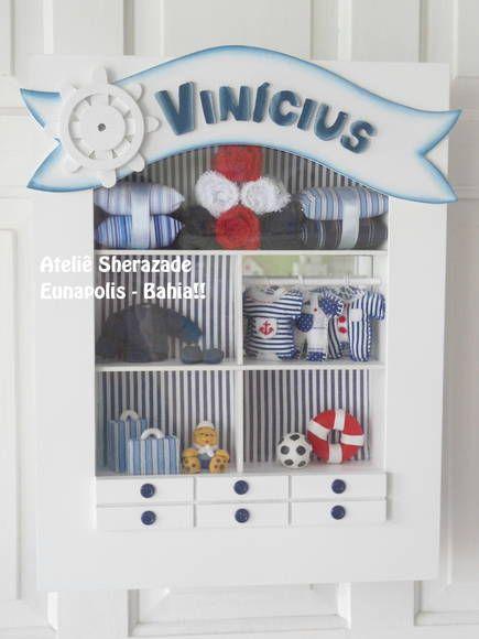Quadro fechado com acrilico e miniaturas em tecido croche e biscuit R$ 205,00