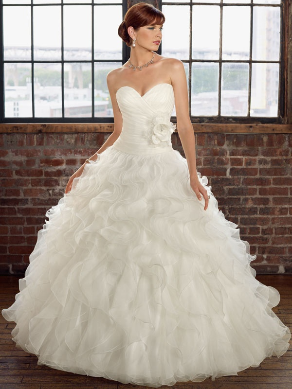 High Quality Ball Gown Organza Wedding Gowns with Sweetheart Neckline