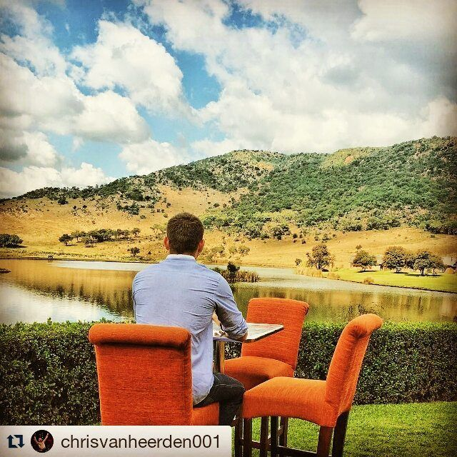 Don't you wish this was your office for the week? #officefortheweek #kloofzicht #beautifulview #clouds #bluesky #tranquility #mountains  Thanks for the great pic @chrisvanheerden001  #Repost @chrisvanheerden001 with @repostapp ・・・ This is how i relax when i'm in South Africa Thank you #kloofzichtlodgeandspa for looking after me! #championschoice nothing short of 5-Star!! #Beautiful #Kloofzicht #ThankYouLord #Nature #Lodge #overnight #peace #Freedom #Breathtaking #Bliss #SouthAfrica #Home