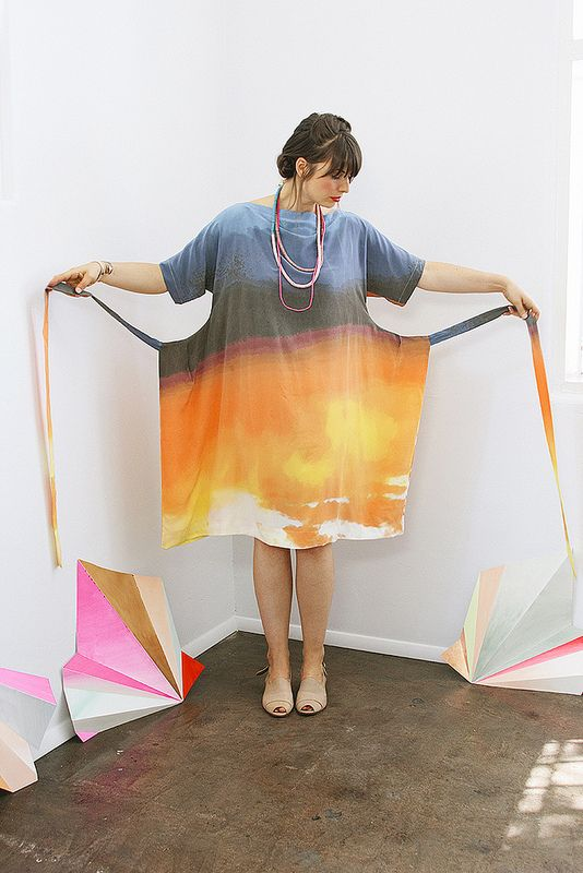 I don't like the sleeves on this. Or the fabric. But it helps me see how the elusive Japanese/Korean Apron dress is constructed. I WISH I could find a pattern for it!!!!