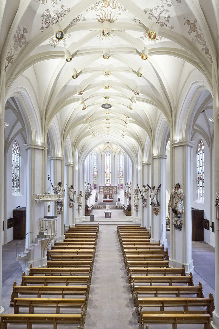 Basilika St. Cyriakus - Duderstadt, Germany. Light planning // Die Lichtberater. Photo // ©Manfred Zimmermann. Featured products by L&L Luce&Light: Templa 1.0, Templa 1.1, Bright 5.1