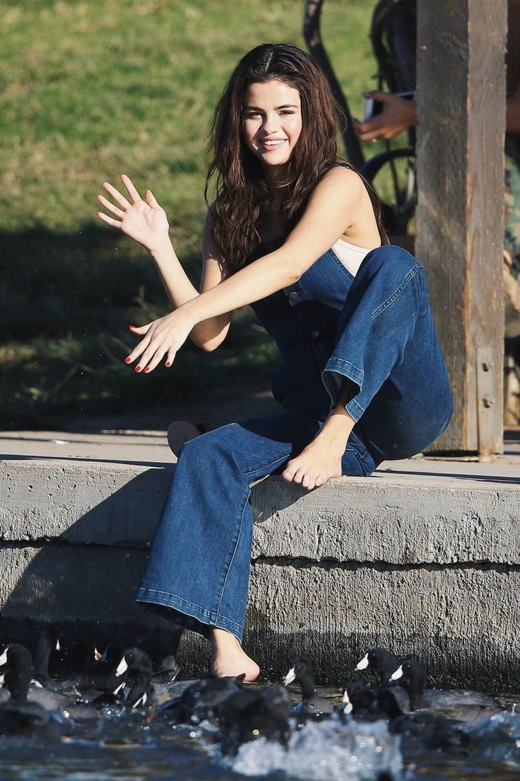 February 2: Selena seen at a park in Los Angeles, California.