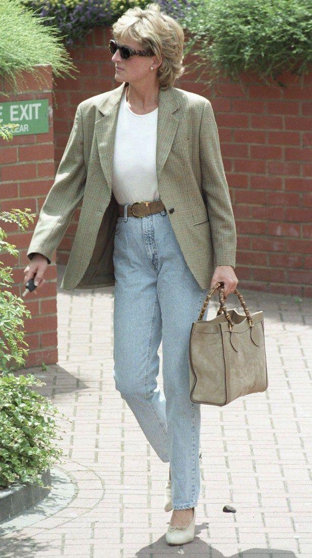 Princess Diana   heatworld.com I like her high waisted jeans and blazer with heels