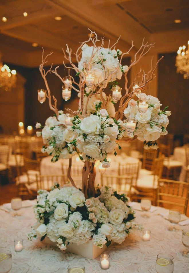 Elaborate Wedding Flower Inspiration: http://www.modwedding.com/2014/07/05/elaborate-wedding-flower-inspiration/ Via Belle of The Ball Events