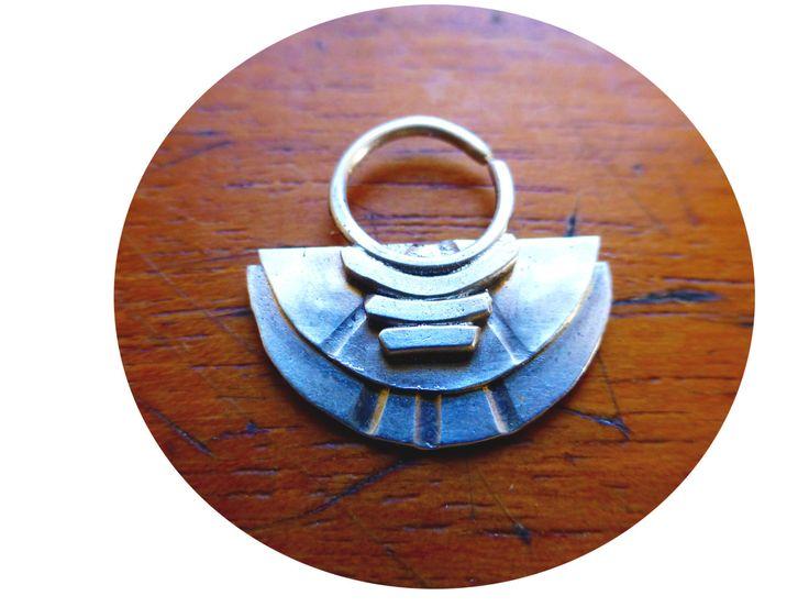 radiantemente trill diosa urbana tabique anillo. para lo bello, atrevido los. de kidsizzle en Etsy https://www.etsy.com/es/listing/199052595/radiantemente-trill-diosa-urbana-tabique
