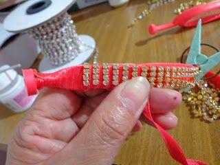 chinelos personalizados com strass, pedraria e tecidos.: PASSO A PASSO CHINELOS COM STRASS.