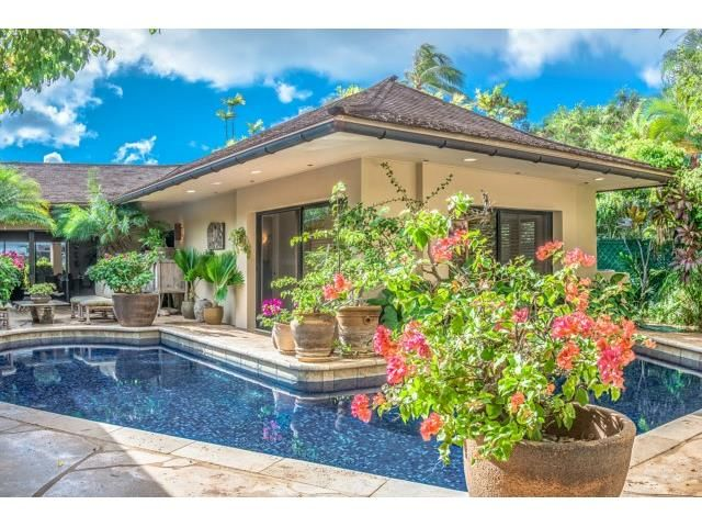 411 best images about stunning swimming pools on pinterest for Pool design honolulu