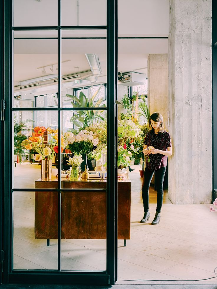 Ruby Barberu0027s Contribution To A New Concept Store In Berlin Introduces  Ephemeral Floral Arrangements To An Environment Where U0027Ecuadorian Roses Are  Still ...