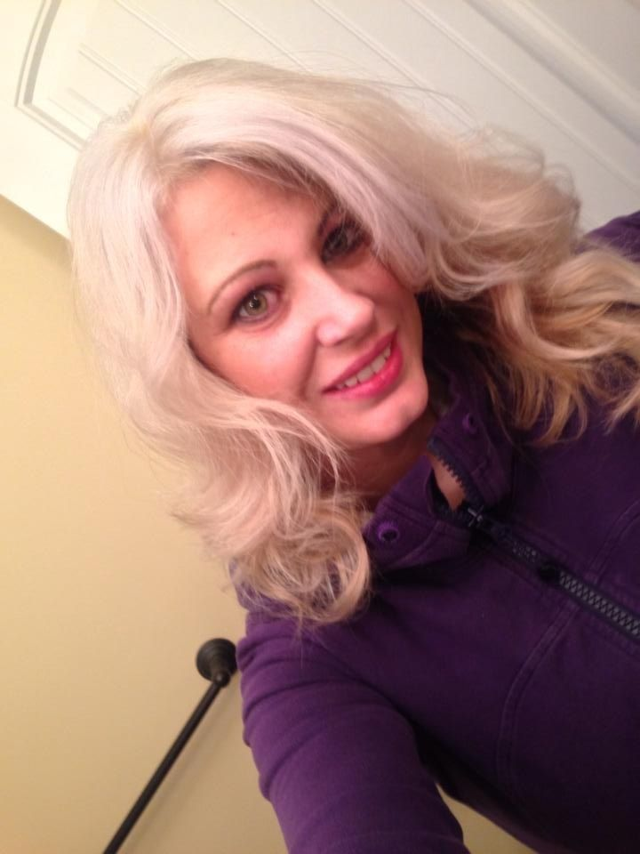 Hair Done At Home With Sally S Quick Blue Bleach With 40