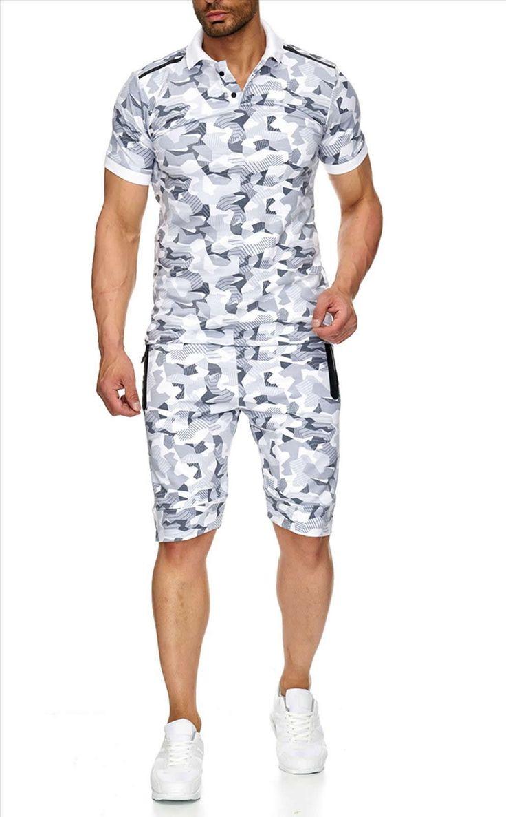 Fashion Planet heeft een ruime collectie winterjassen en bontjassen voor zowel damesals heren. Onze Heren jassen kunt u online bestellen maar u kunt deze jassen met bontkraag ook komen passen in onze winkel in Amsterdam.Heren Camo Jogging Pak met Korte Broek Wit JP001   Modedam.nl- Exclusieve
