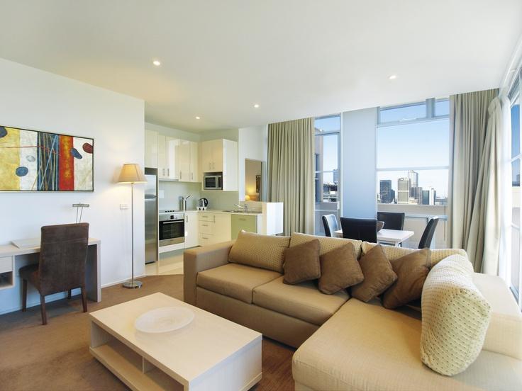 Oaks on Lonsdale - 1 bed exec #2902 living kitchen
