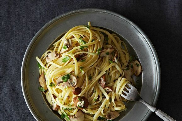 // Nigella Lawson's Linguine with Lemon, Garlic, and Thyme Mushrooms