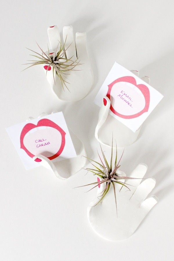 diy tutorial clay hand place card holders