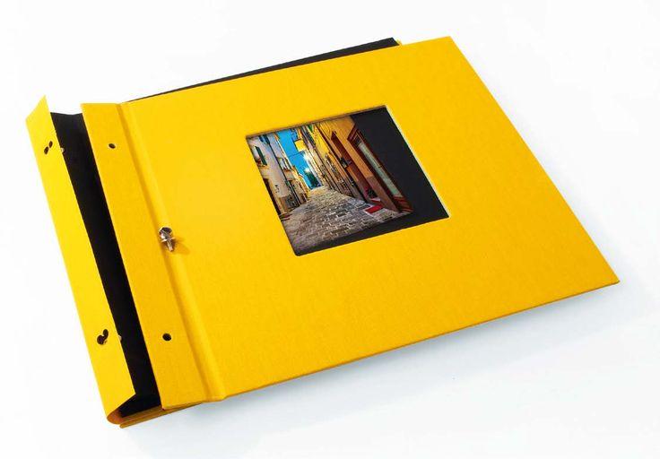 Ein aufgeschraubtes Schraubalbum vom Hersteller Goldbuch - made in Germany