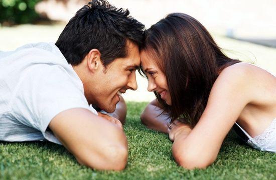 Um homem apaixonado não se deixa levar por vengonha ou receio de te fazer um carinho em público