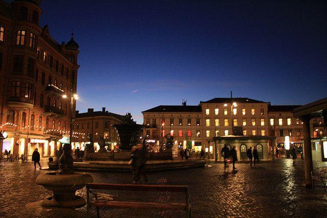 Vista noturna de Gotemburgo, Suécia.