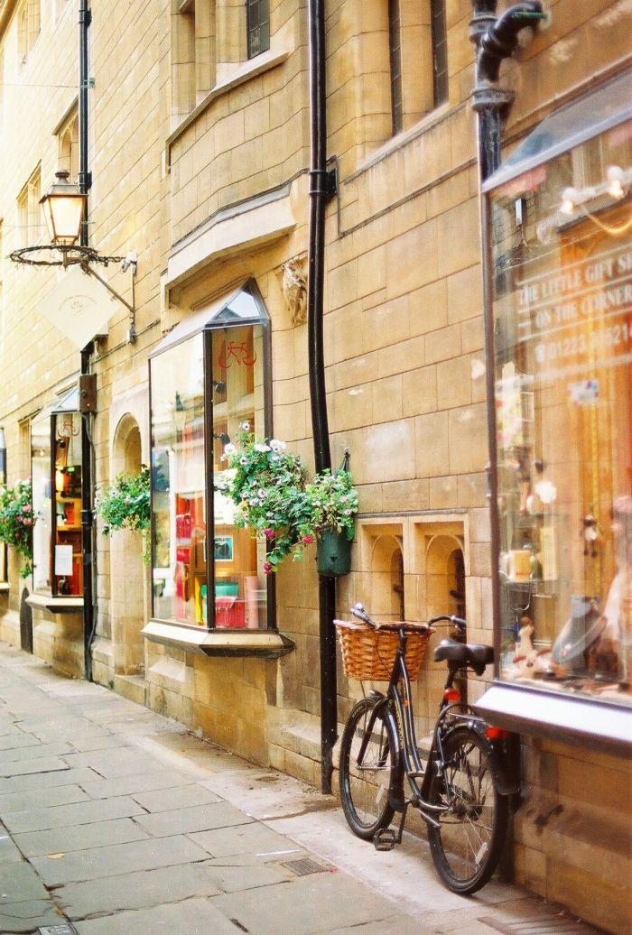 City Streets in Cambridge England | photography by http://urskadomen.si/en/