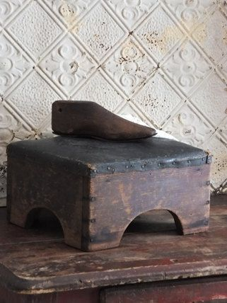 Antique Primitive Foot Stool Ottoman & 1066 best TO SIT/TO STEP images on Pinterest | Stools Benches and ... islam-shia.org