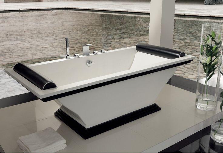 Эту ванну характеризует безусловная элегантность и прекрасно сбалансированный минималистичный дизайн.