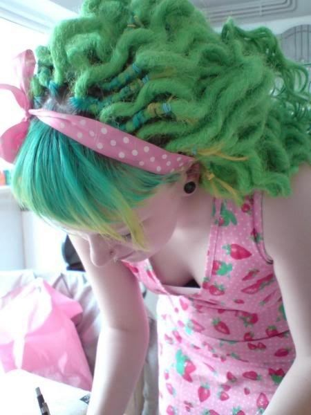 Amazing seafoam crimped/wavy synthetic dreads.