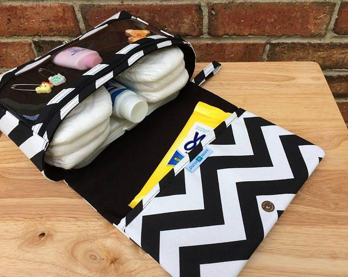 Pañalera de chevron negro nuevo y más grande, regalo del bebé para los nuevos padres, bolso del pañal, organizador de la bolsa de pañales, embrague de pañal con la bolsa de cremallera claro