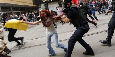 Proteste violente în Turcia faţă de islamizarea educaţiei