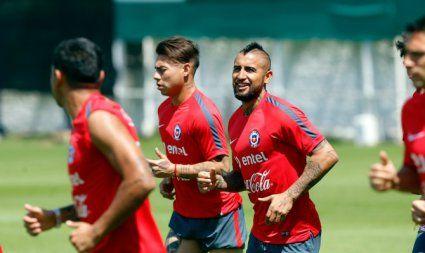 La Roja entrena en Pinto Durán con clima enrarecido pero pensando en Uruguay. Noviembre 14, 2015.