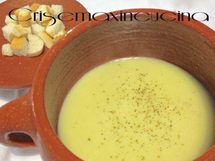 raffinata e gustosa la crema di porri e patate