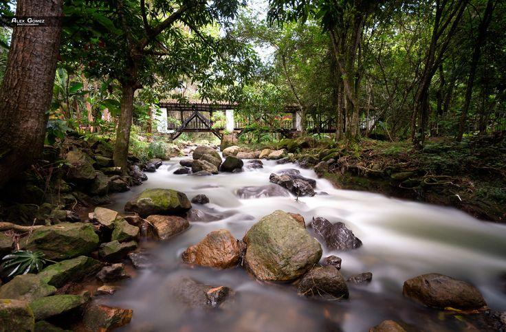 Curití River by Alexander Gomez on 500px