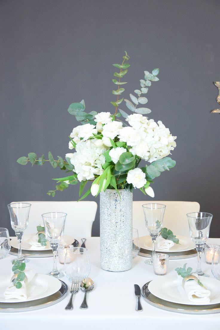 Die besten 25 vase silber ideen auf pinterest silber for Hochzeitstafel deko