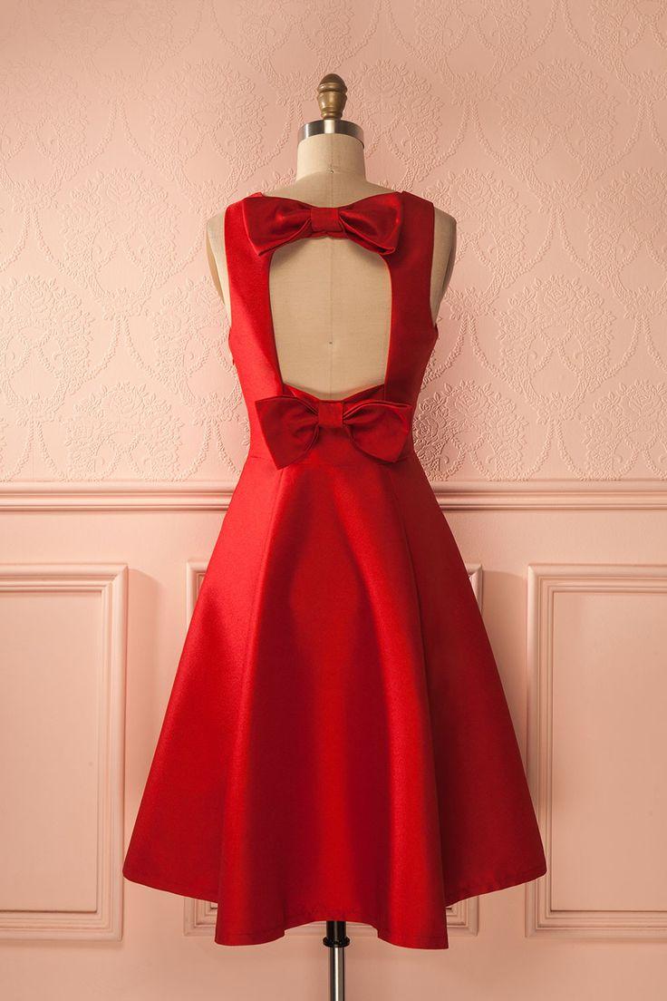 Une tenue de fête n'est jamais complète sans boucles !  A party outfit is never complete without bows! Melana - Red bows party dress - holiday - xmas -  www.1861.ca