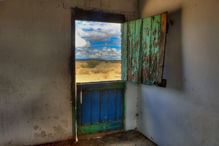 An abandoned farm house in the Karoo National Park on the Nuweveld 4x4 Eco Trail