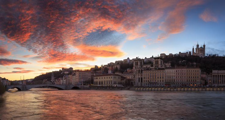 Hell or high water. - Awesome colors in the sky and high water levels in the Saone river during dusk at Quai des Celestins. I blended 2 pano's of 6 photo's, with different exposures, to create this image. Have a good weekend!