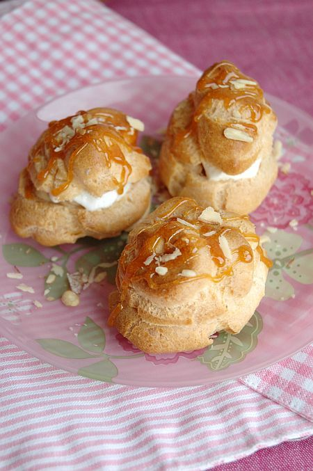 Coffee cream puff