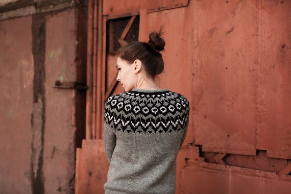 Grey 100% wool sweater / pullover / black white rustic /