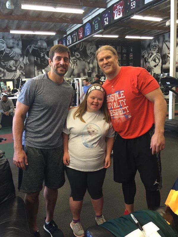 Aaron Rodgers and Clay Matthews in the Gym -- Aaron Rodgers and Clay Matthews are both spending their offseason in Los Angeles. They're also working out together and Clay looks gigantic.
