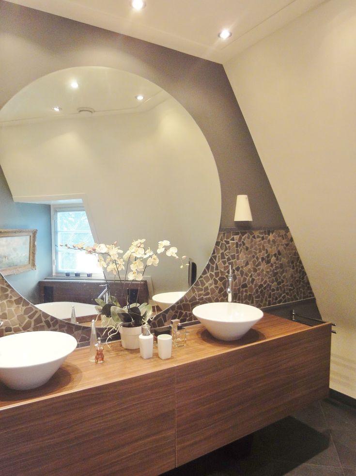 25 beste idee n over ronde spiegels op pinterest kleine ingang ingangs plank en kleine gangen - Grote spiegel kleefstof ...