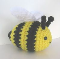 My sons asked me to make them a bee so here is what I came up with:  Materials : - Crochet hook E4 / 3.5 mm - Worsted weight acrylic yarn i...