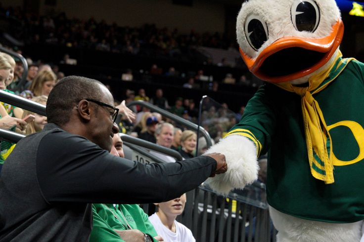 Puddles meets the new Oregon Ducks football coach.