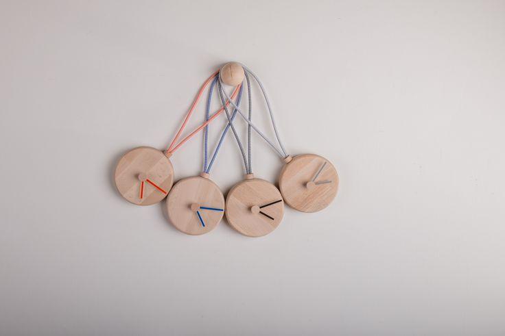 TOTIMINU'- little clock - 4 colors - buy on federicabubani.bigcartel.com